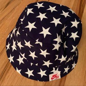 Nike Bucket Hat - Stars